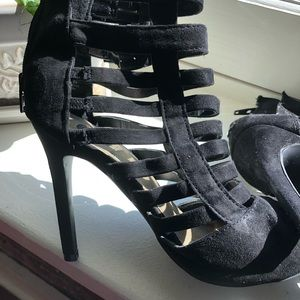 Guess Shoes - Black leather ankle pumps